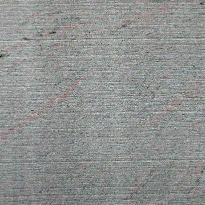 Stein mit Spuren vom Gatter (gegattert)