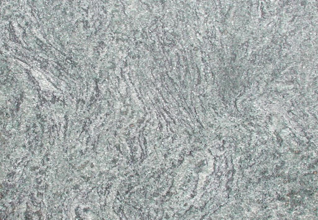 Gneis: Verde Maritaka - Platte in der Sonne